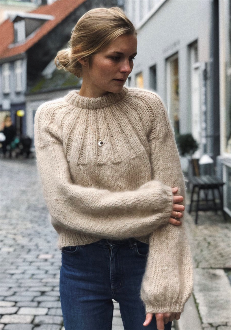 SUNDAY SWEATER
